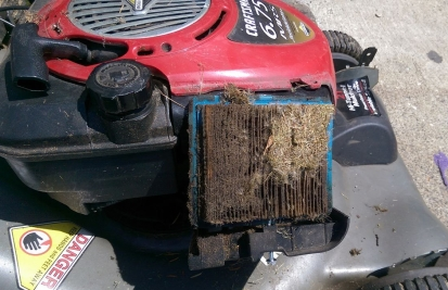 Clogged air filter picture